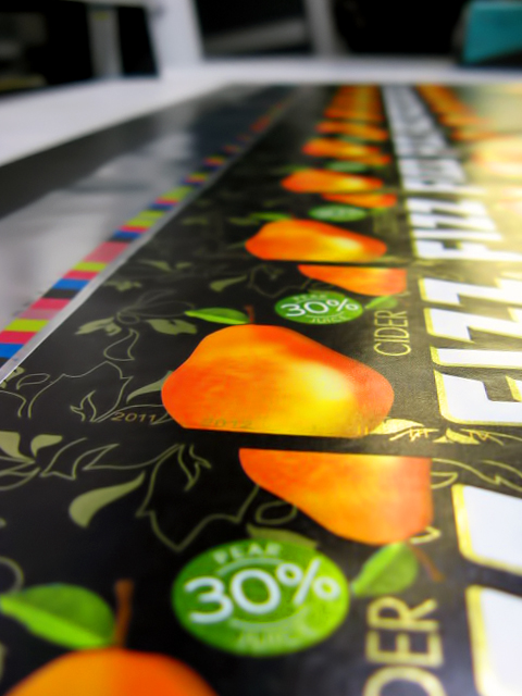 UV-offset printing on non-absorptive materials